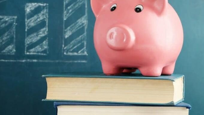 How to decide when to refinance your student loans