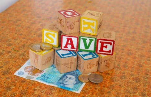 6 tips to saving more money in the new year